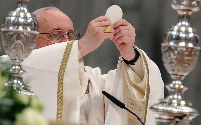 Papa-Francisco-Eucaristia